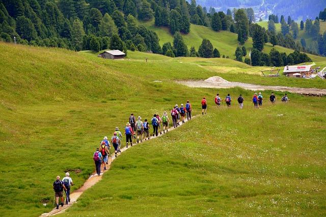 כך תקימו קבוצת הליכה משלכם ותלמדו לנהל אותה בצורה הטובה ביותר